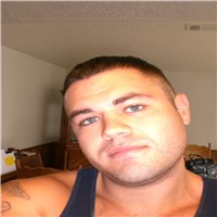 hey my name is daniel  im 33 years old from friendswood  tx im really laid back and i love to laugh im an electrician and a s...